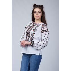 Жіноча вишита блузка з етнічним орнаментом