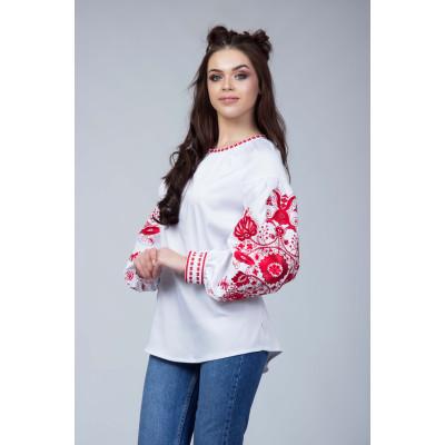 Біла жіноча вишита блуза з червоною вишивкою