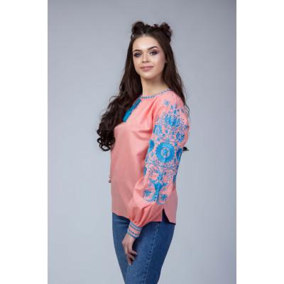 Рожева вишита блуза з синьою вишивкою