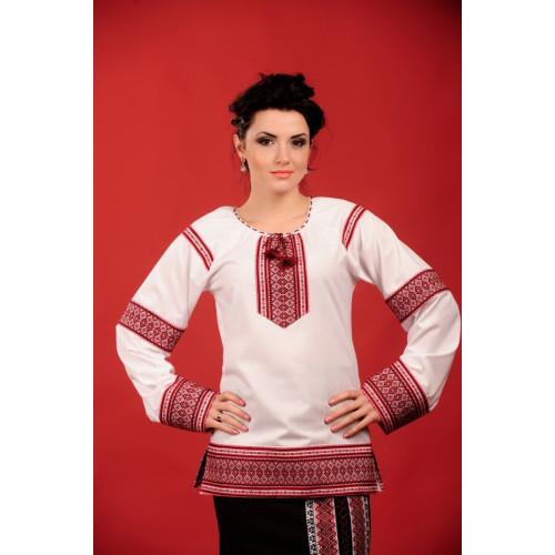 Женская удлиненная блуза с вышивкой