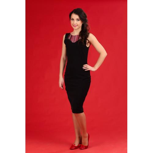 Черное женское платье вышитое