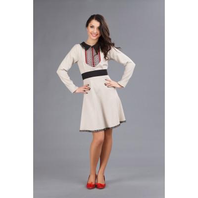 Сукня з вишивкою для дівчини