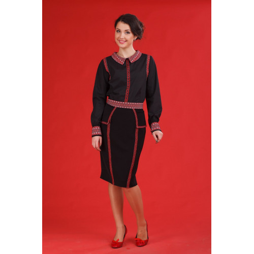 Жіночий костюм вишитий чорний