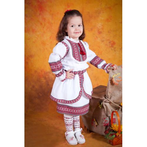 Український вишитий костюм для дівчинки