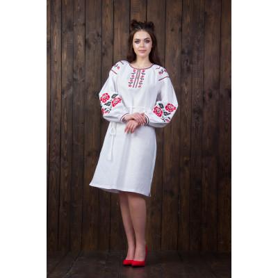 Жіноче плаття з флористичним орнаментом