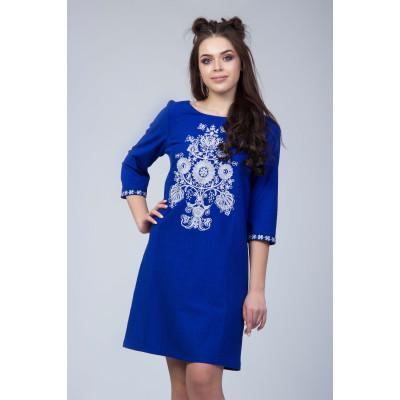 Синее льняное вышитое платье с вышивкой