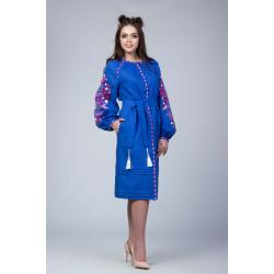 Синє плаття з червоно білою вишивкою